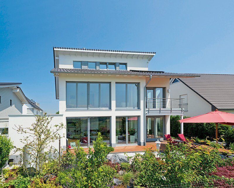 Häuser mit viel Glasfläche
