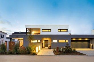 Haus mit Flachdach von fertighaus Weiss