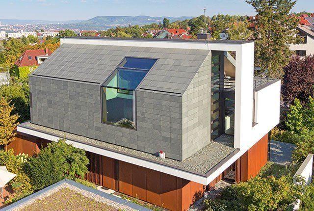 Ein geneigtes Dach