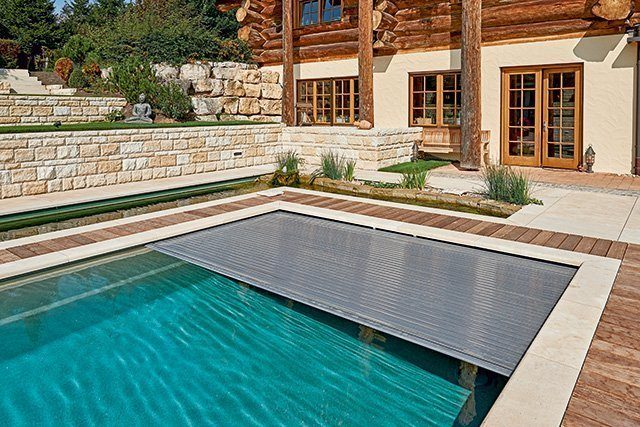 Pool Abdeckung