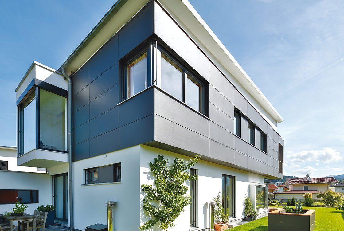 Vitalhaus Langkampfen - Ein großes weißes Gebäude - Haus