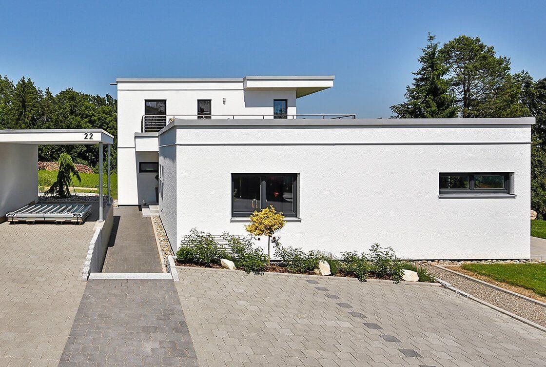 Vitalhaus Sigmaringen - Ein großes weißes Gebäude - Haus