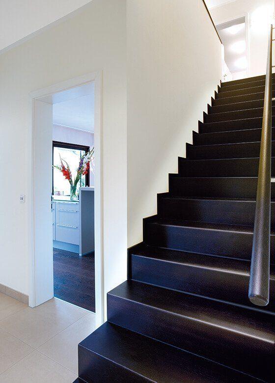 Musterhaus Fellbach - Eine Treppe - Tageslicht