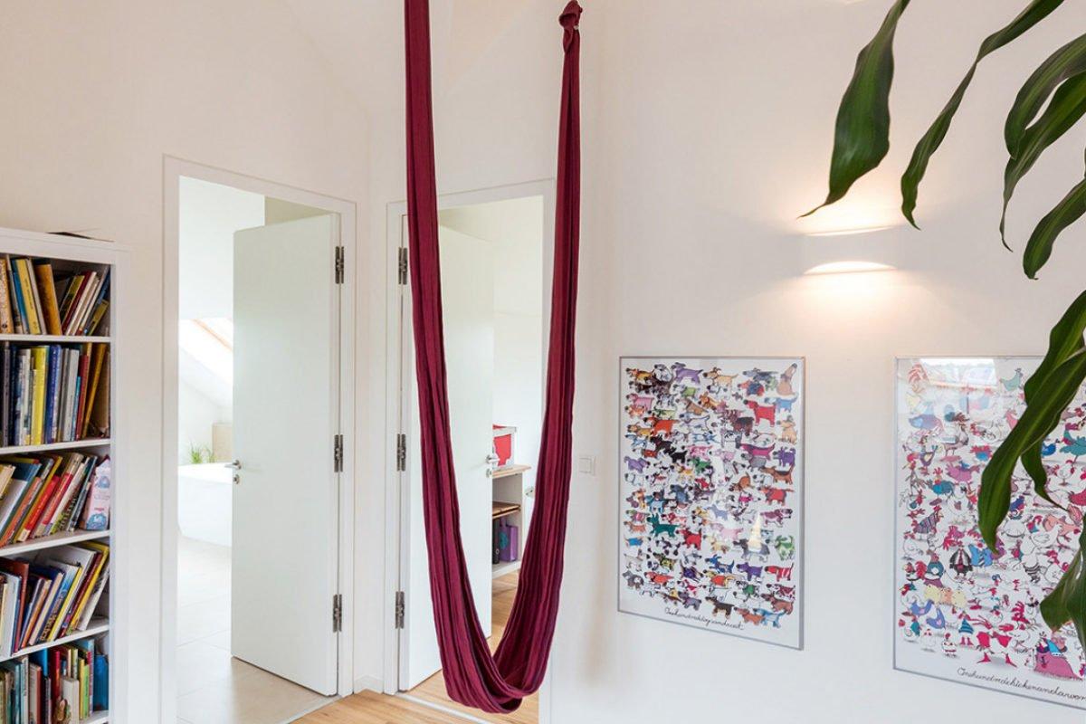 Design 193 - Ein Raum mit einem Bücherregal - Überlingen