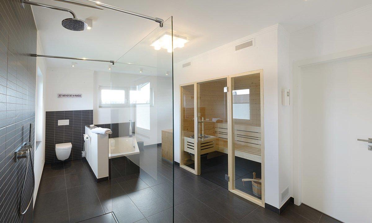 Medio - Ein zimmer mit waschbecken und spiegel - Zimmer