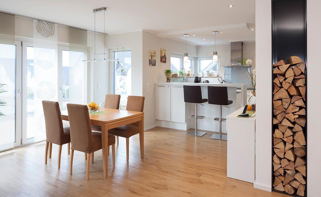 Edition 168 - Ein Raum voller Möbel und Holzböden - Interior Design Services