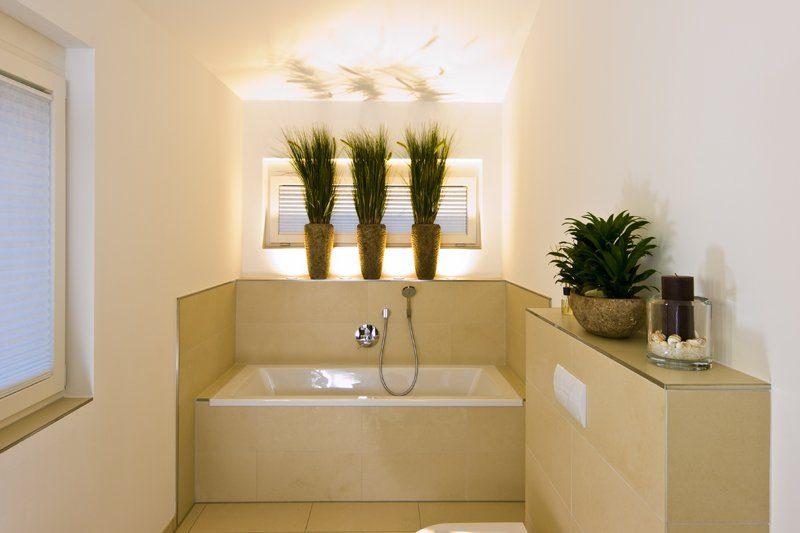 Klassischer Bungalow - Ein zimmer mit waschbecken und spiegel - Interior Design Services