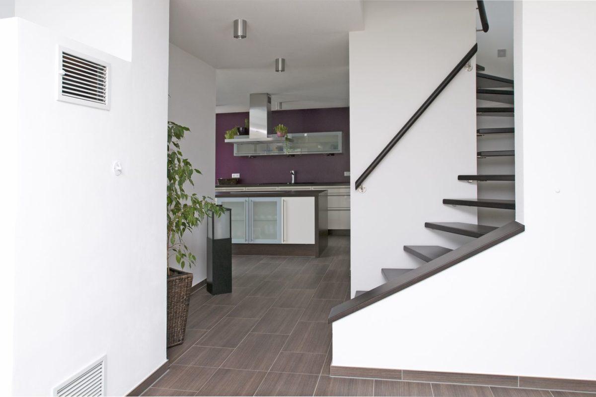 Stadtvilla Mehnert - Eine Küche mit Fliesenboden - Haus