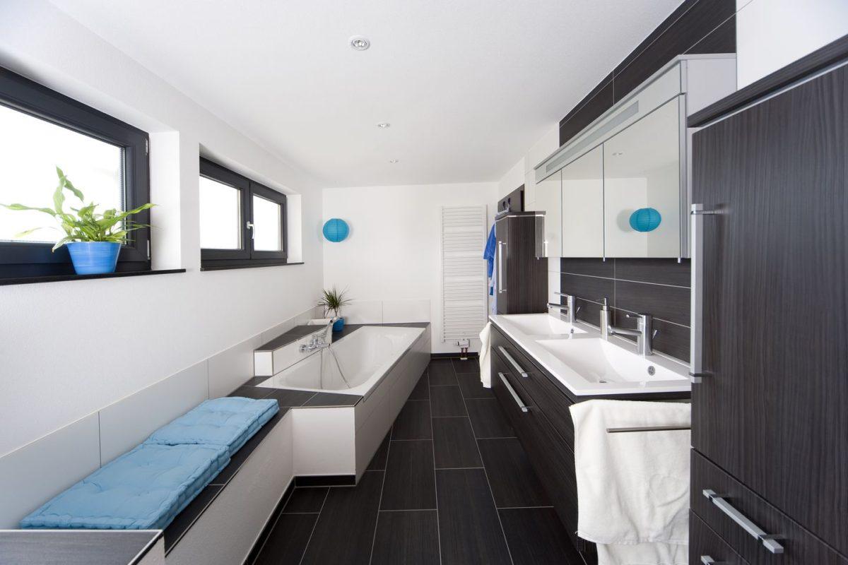Stadtvilla Mehnert - Eine küche mit waschbecken und fenster - Terrasse