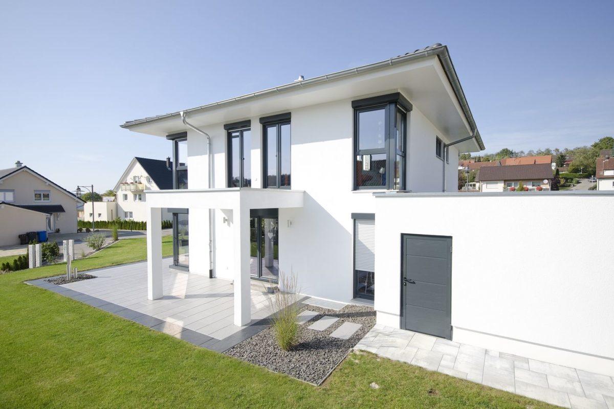 Stadtvilla Mehnert - Ein großes weißes Gebäude - Haus