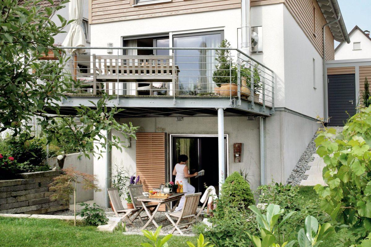 Plan E 15-125.1 - Ein Garten vor einem Haus - Haus