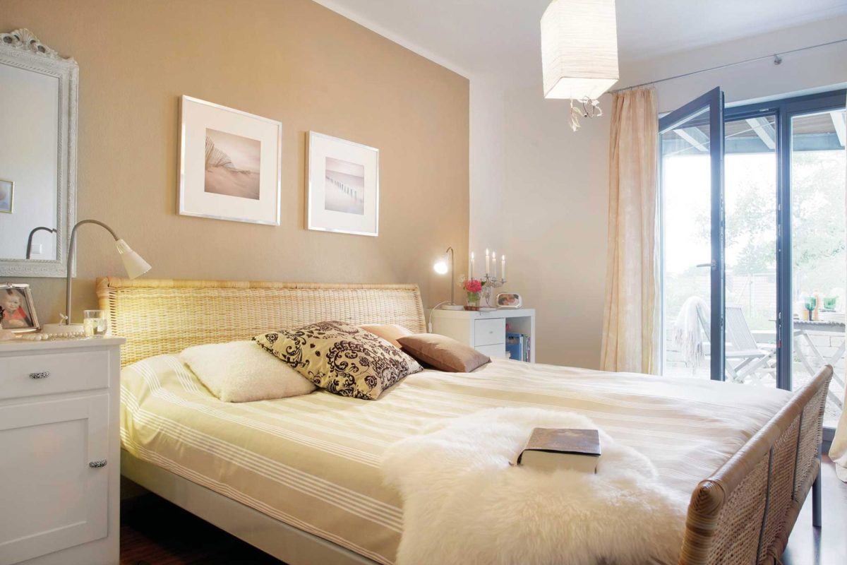 Plan E 15-125.1 - Ein Schlafzimmer mit einem Bett in einem Raum - Schlafzimmer