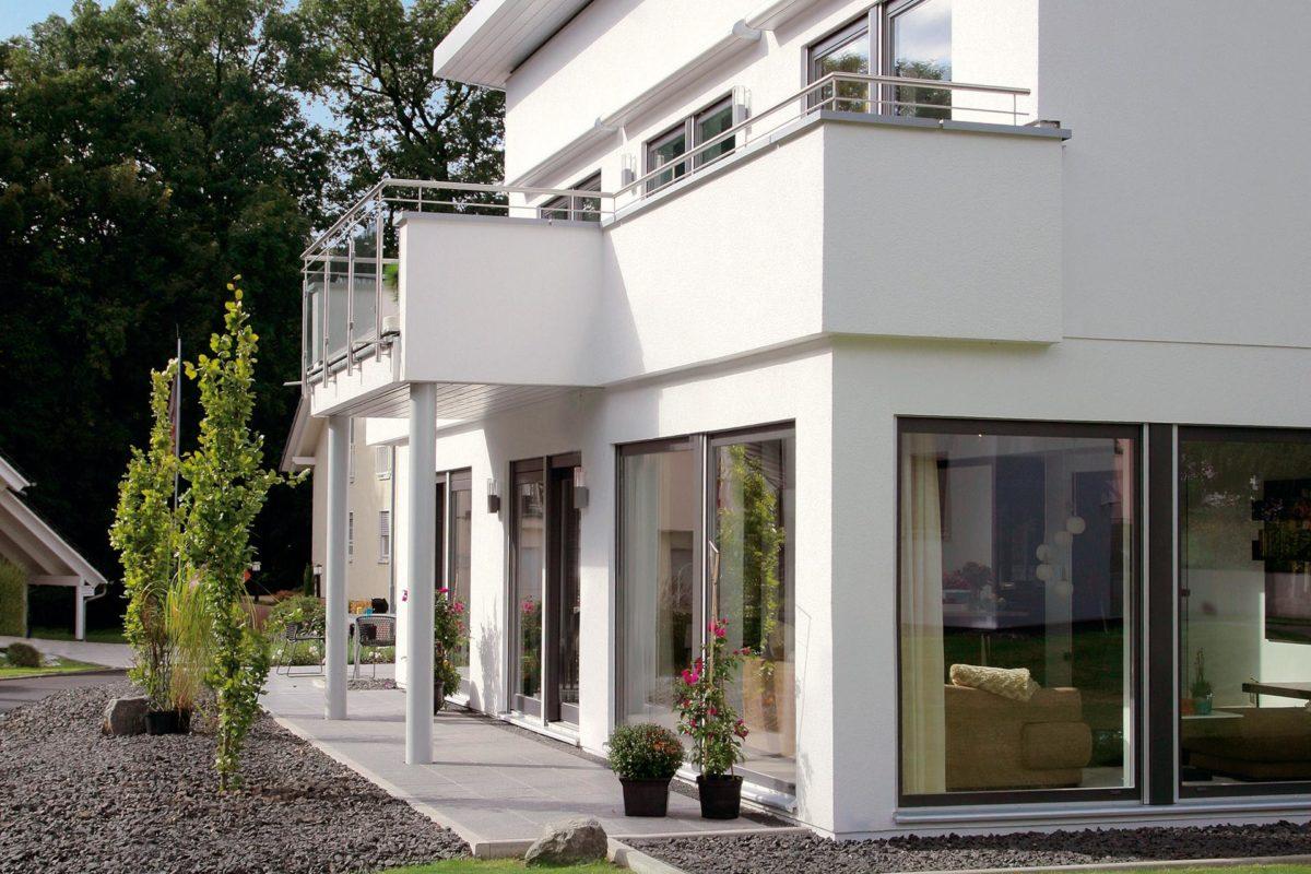 Plan E-175.1 - Ein Haus, das ein Schild an der Seite eines Gebäudes hat - Moderne Architektur