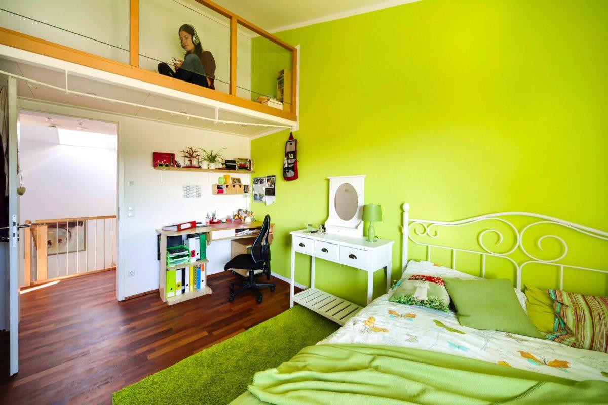 Plan E 15-164.1 - Ein Schlafzimmer mit einem Bett in einem Raum - SchworerHaus KG