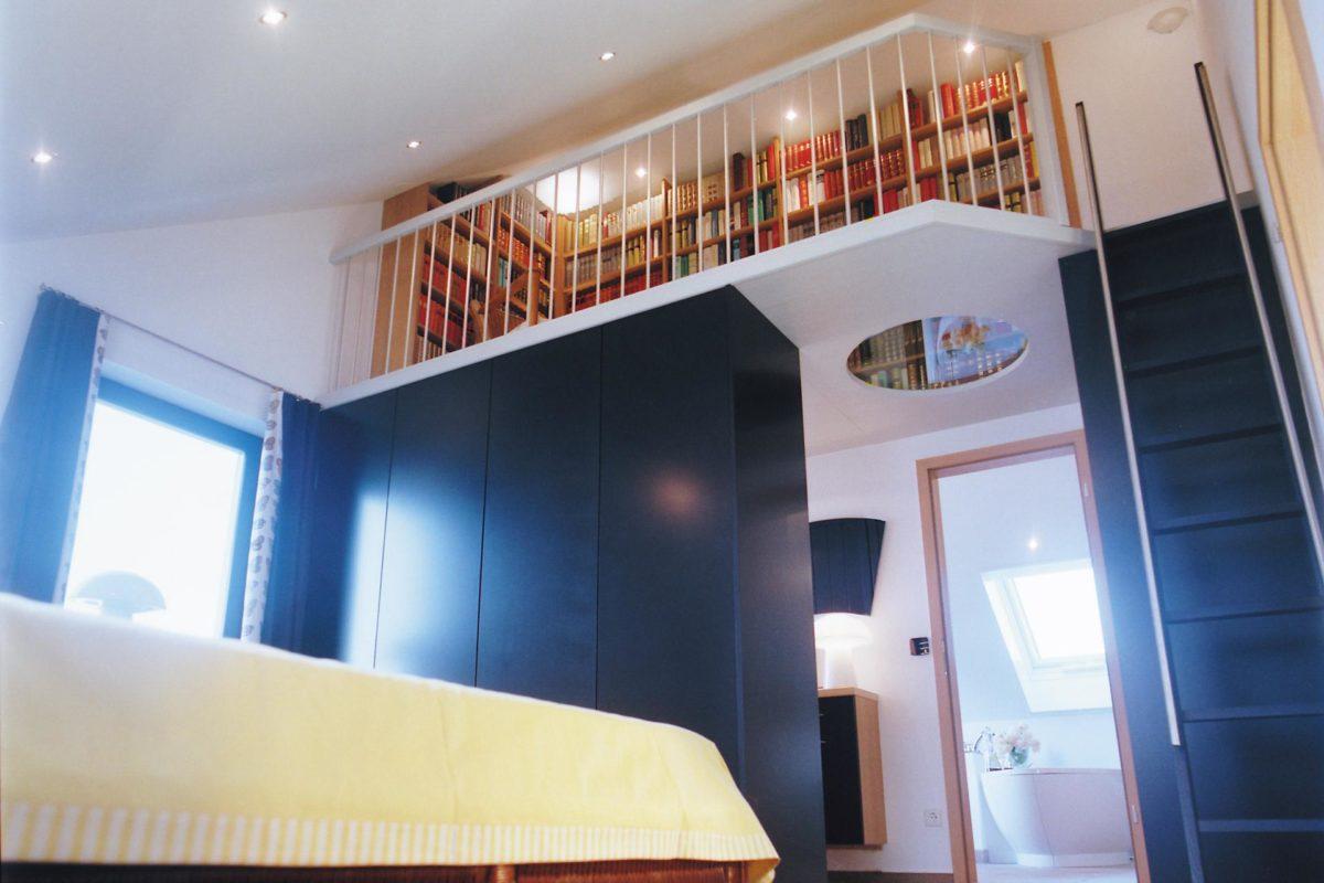 Plan E 15-193.1 - Ein Schlafzimmer mit einem Bett in einem Raum - Interior Design Services
