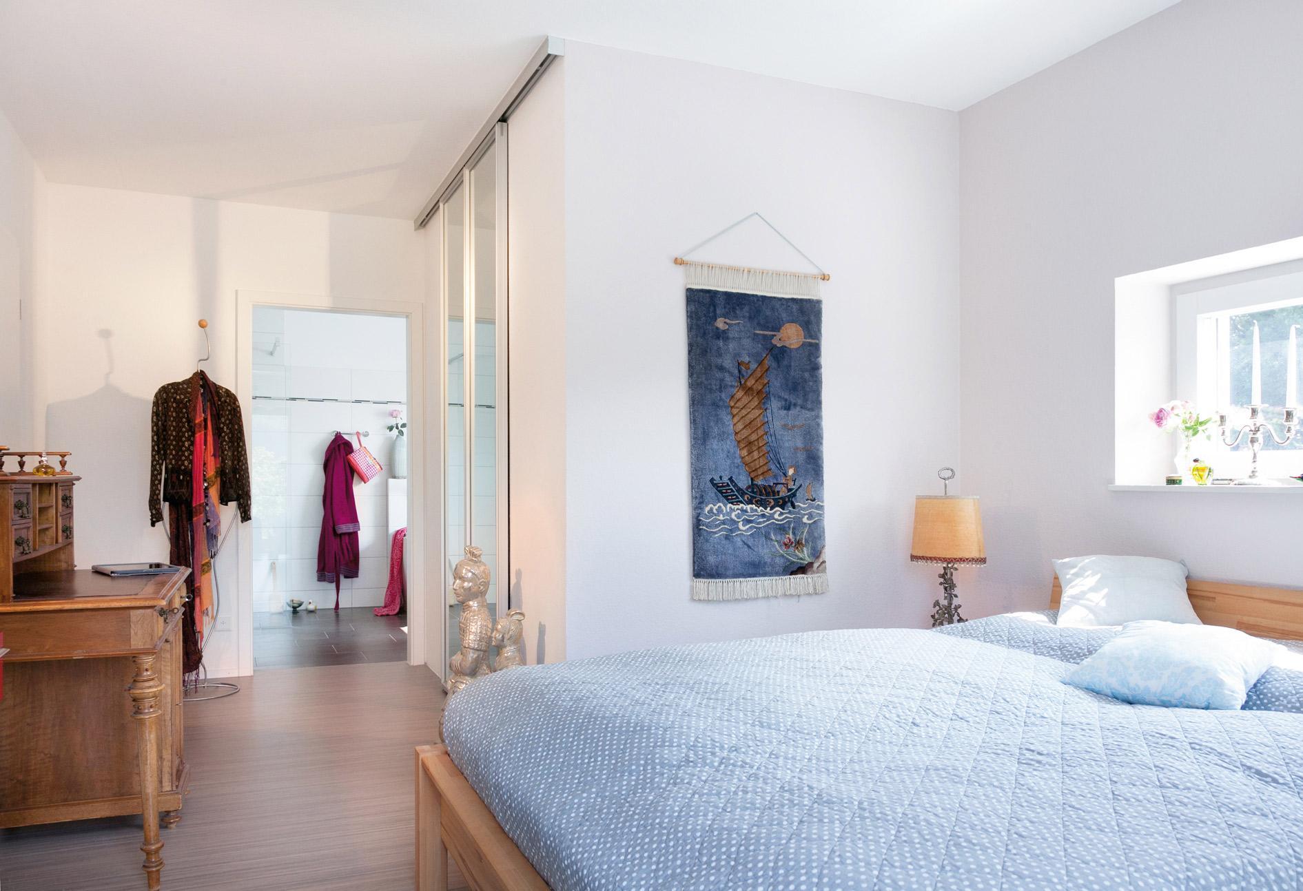 Plan E 20-186.1 - Ein Schlafzimmer mit einem Bett in einem Raum - Schlafzimmer