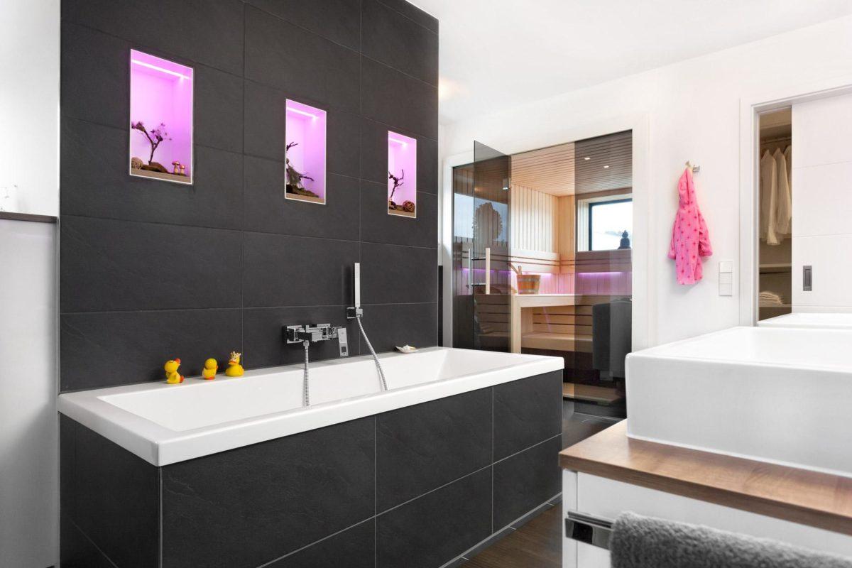 Haus Groh - Ein zimmer mit waschbecken und spiegel - Bauhaus