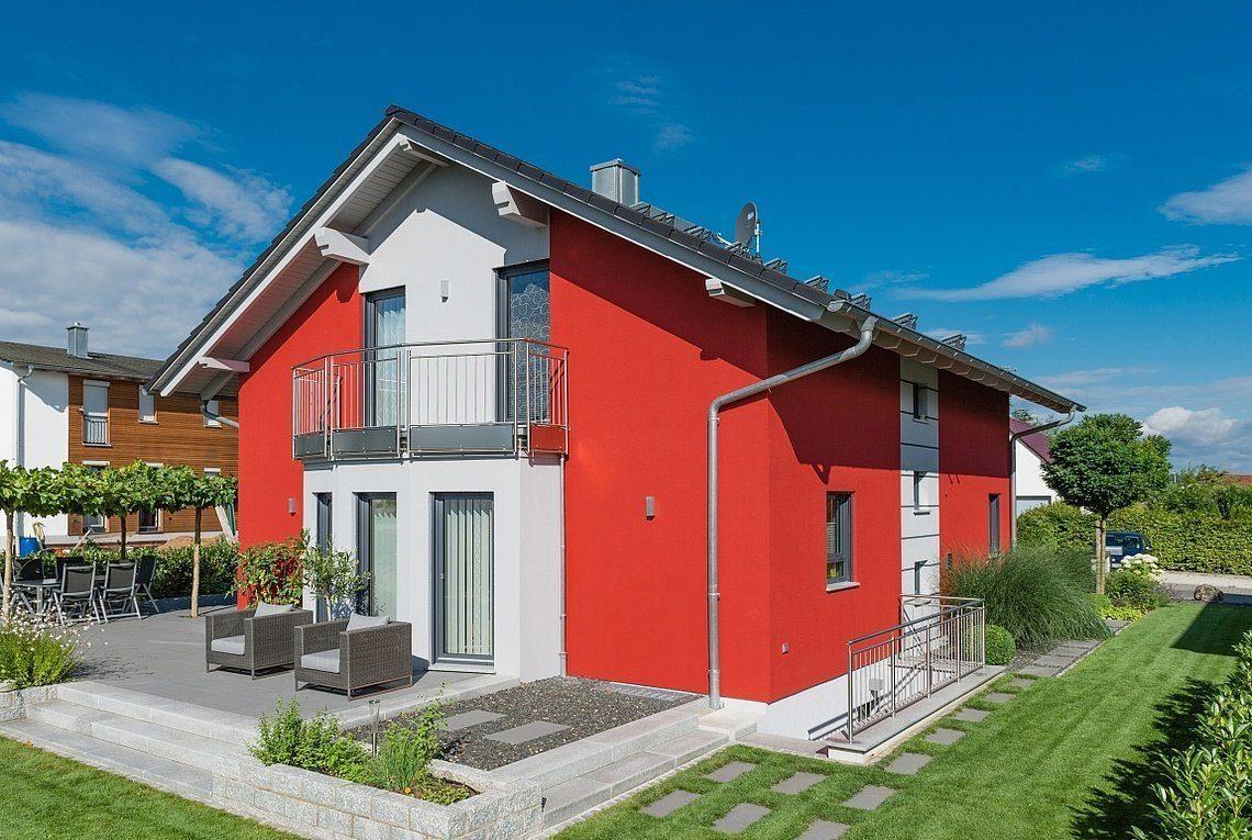 Kundenhaus Linz - Ein kleines haus im hintergrund - Haus