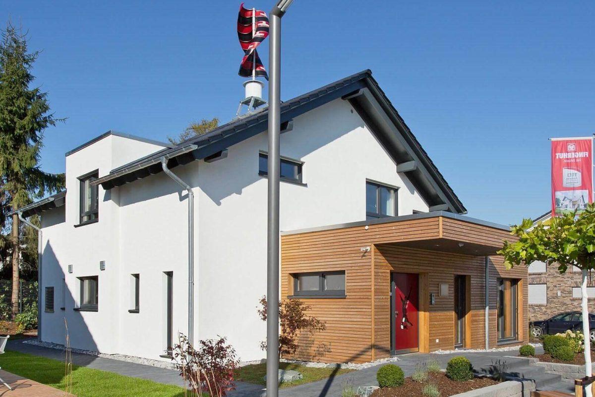 Musterhaus Wuppertal - Ein schild vor einem haus - Haus