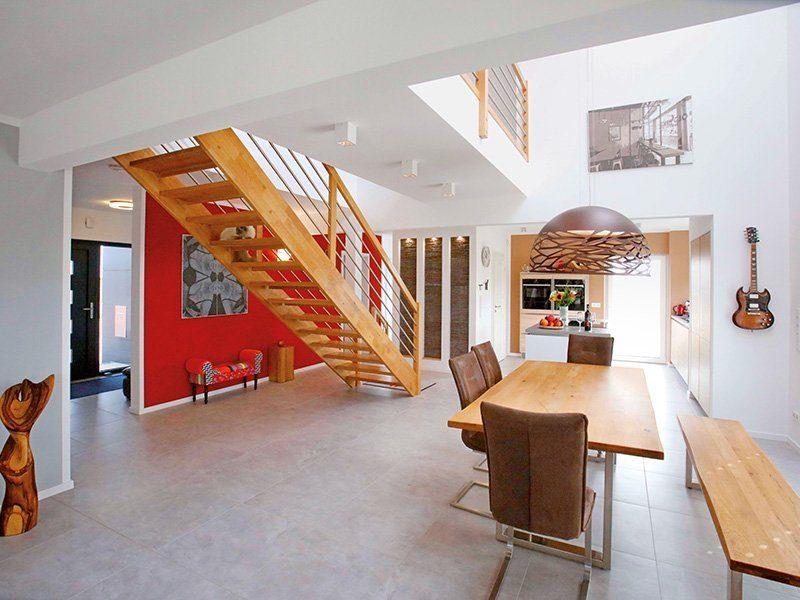 Point 162A - Ein Wohnzimmer mit Möbeln und einem Kamin - Interior Design Services