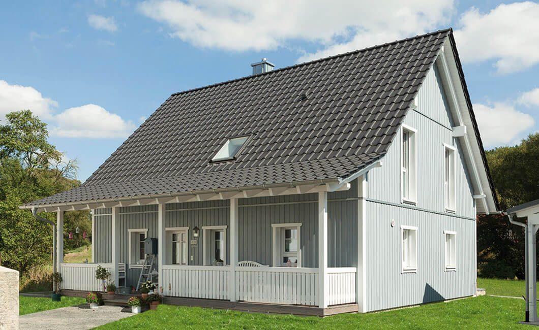 Edition 139 - Eine große Wiese vor einem Haus - Haus