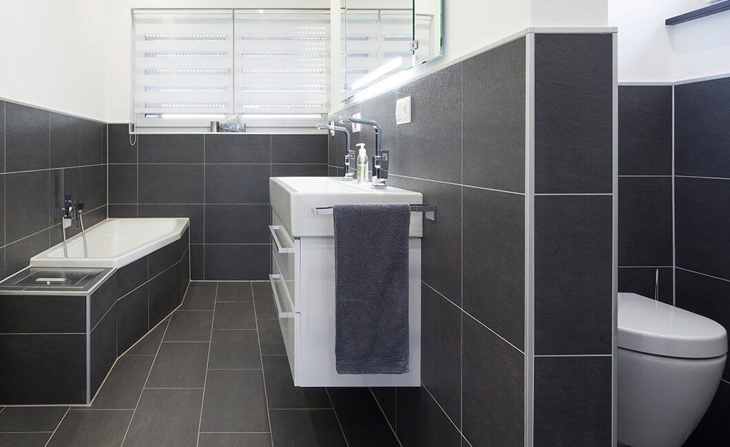 Edition 174 - Eine schwarz-weiße Fliese - Bad