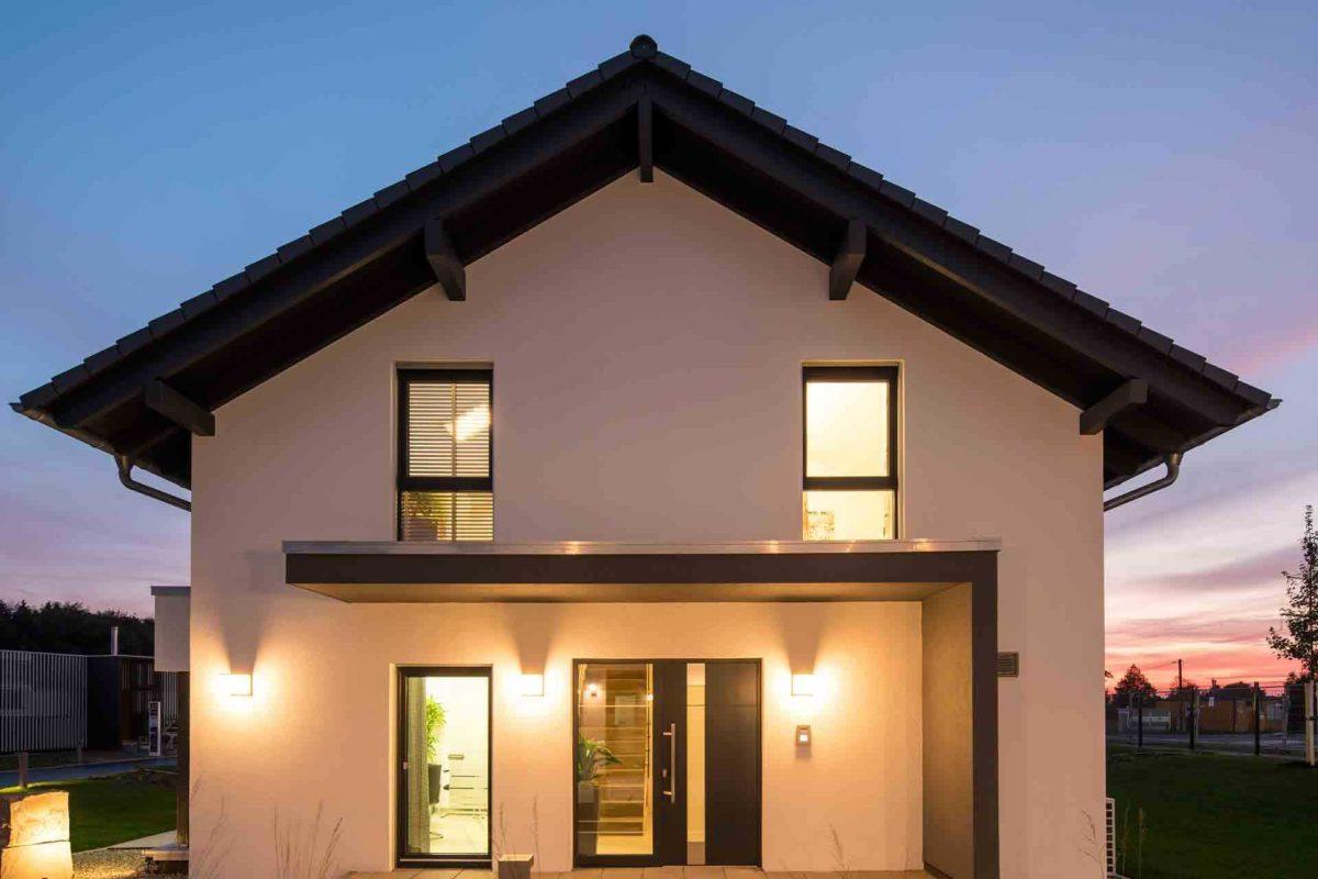 Neo Musterhaus Günzburg - Ein Blick auf ein Haus - Niederrieden