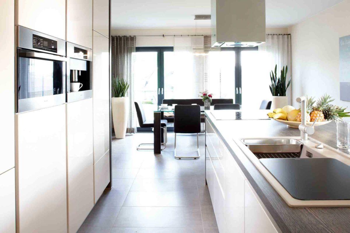 VIO 400 – Musterhaus Köln - Ein Blick auf eine Küche - FingerHaus