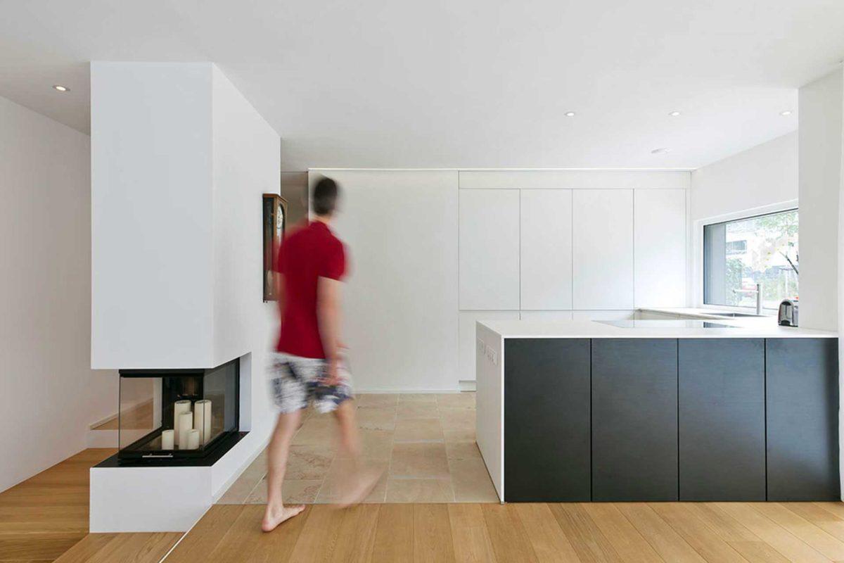 Killesberg - Ein Edelstahl-Kühlschrank in einer Küche - Haus