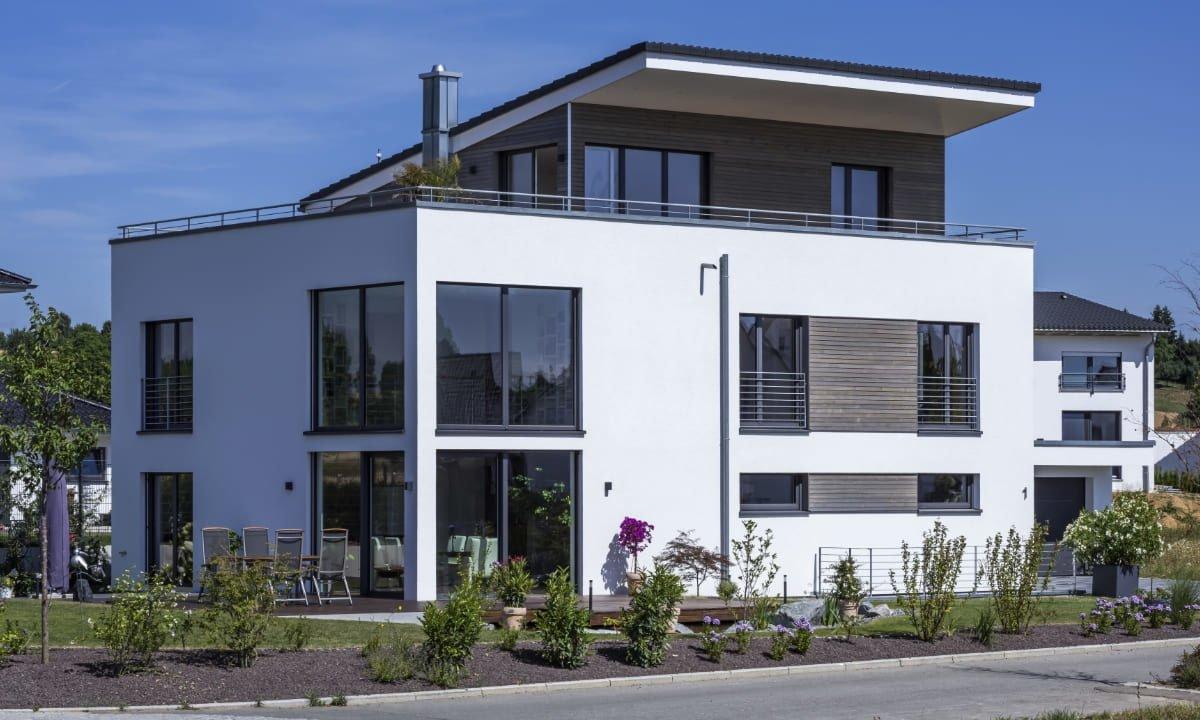 Haus-Empfingen - Ein großes weißes Haus - Haus