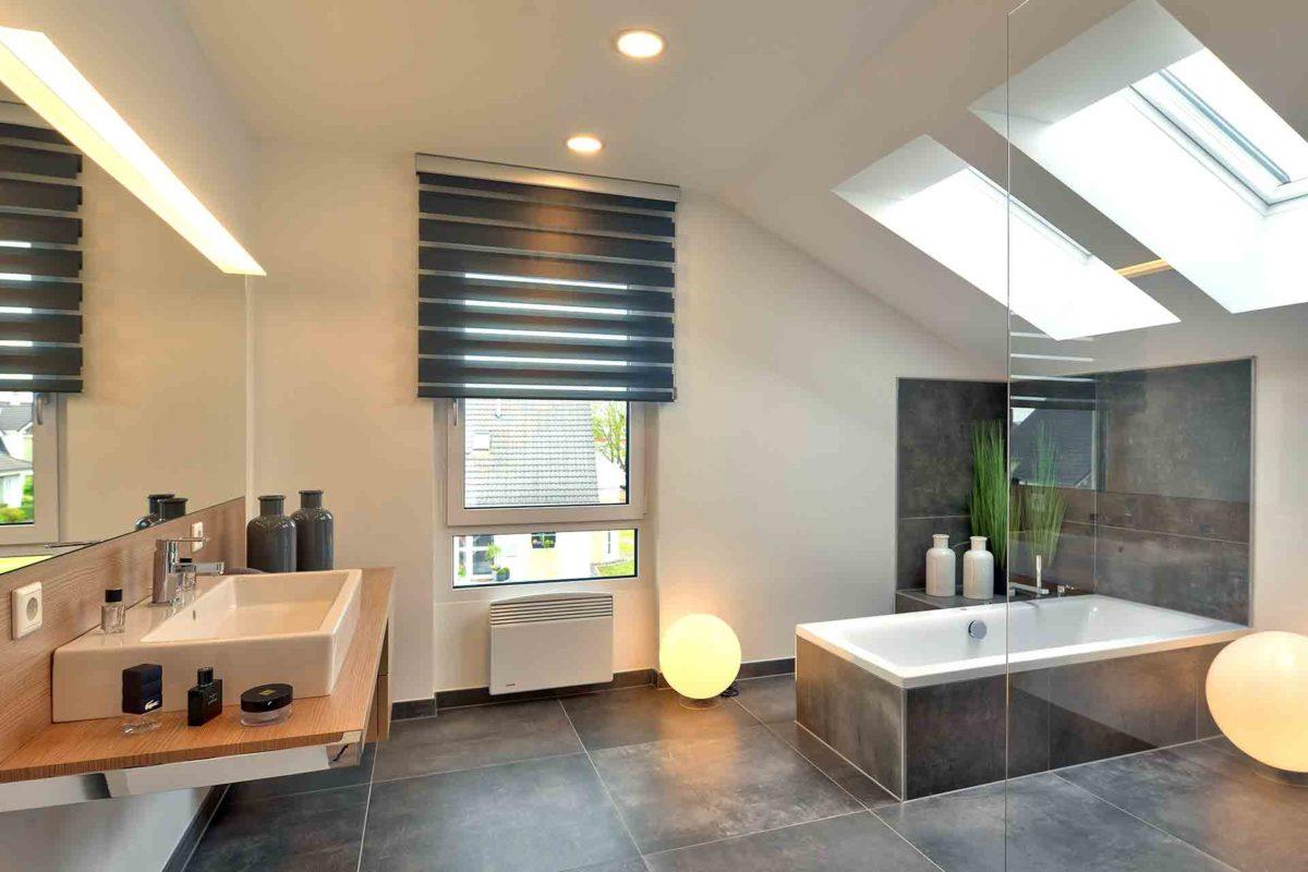 SUNSHINE 143 Mülheim-Kärlich - Ein Raum voller Möbel und Waschbecken - Haus