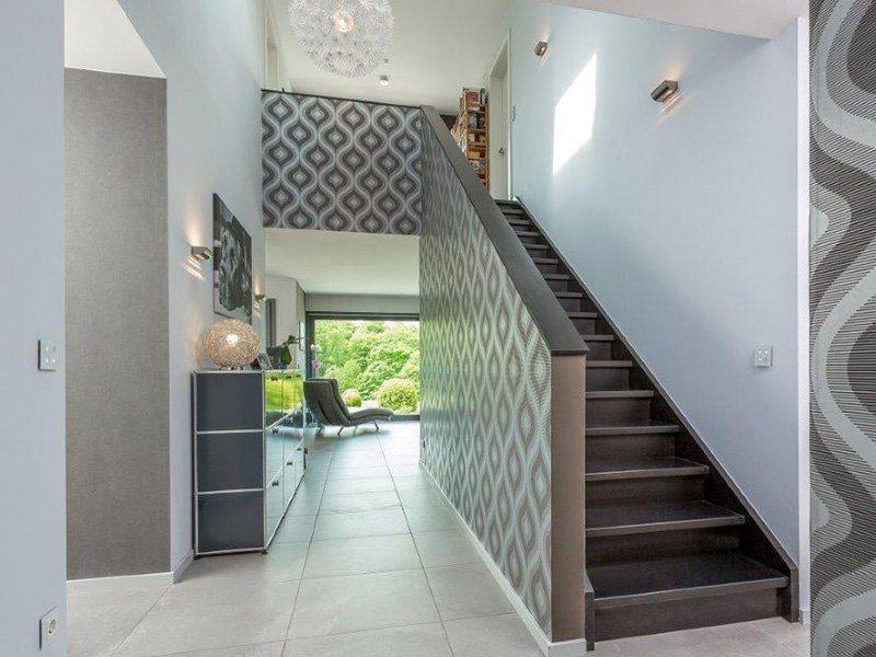 Bauhaus-Villa - Eine Küche mit Fliesenboden - Haus