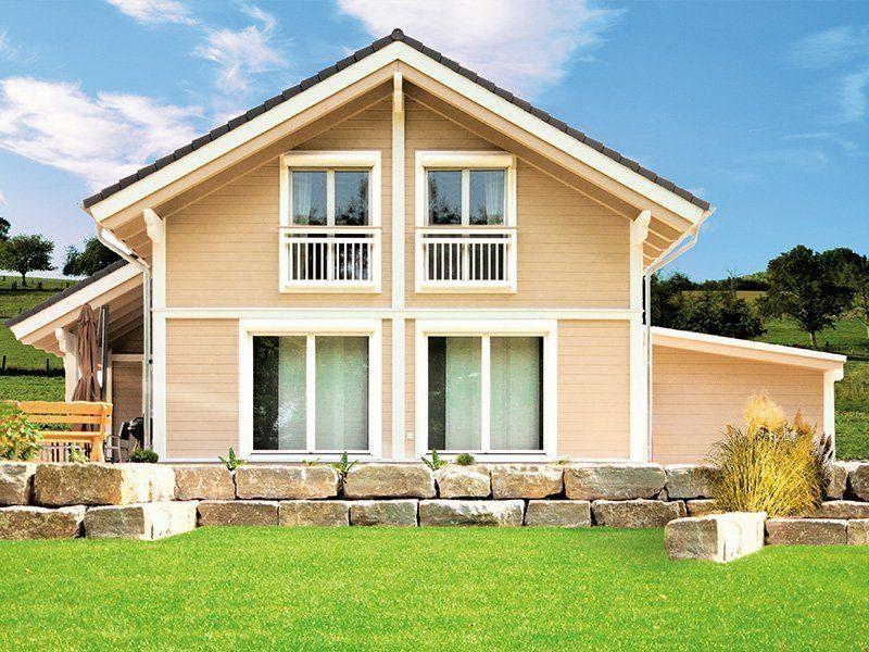 Kundenhaus Pro Natura - Eine große Wiese vor einem Haus - Haus