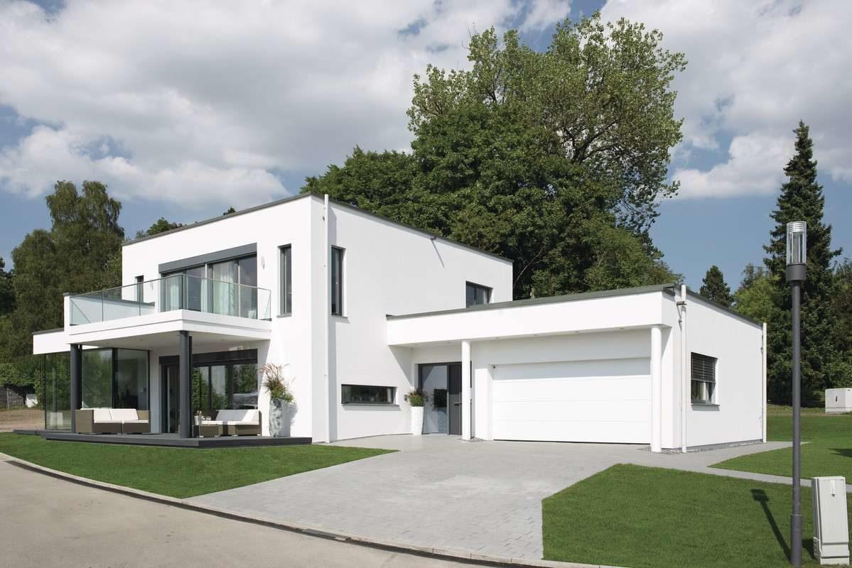 Musterhaus Villingen-Schwenningen - Ein großes weißes Haus - WeberHaus GmbH & Co. KG