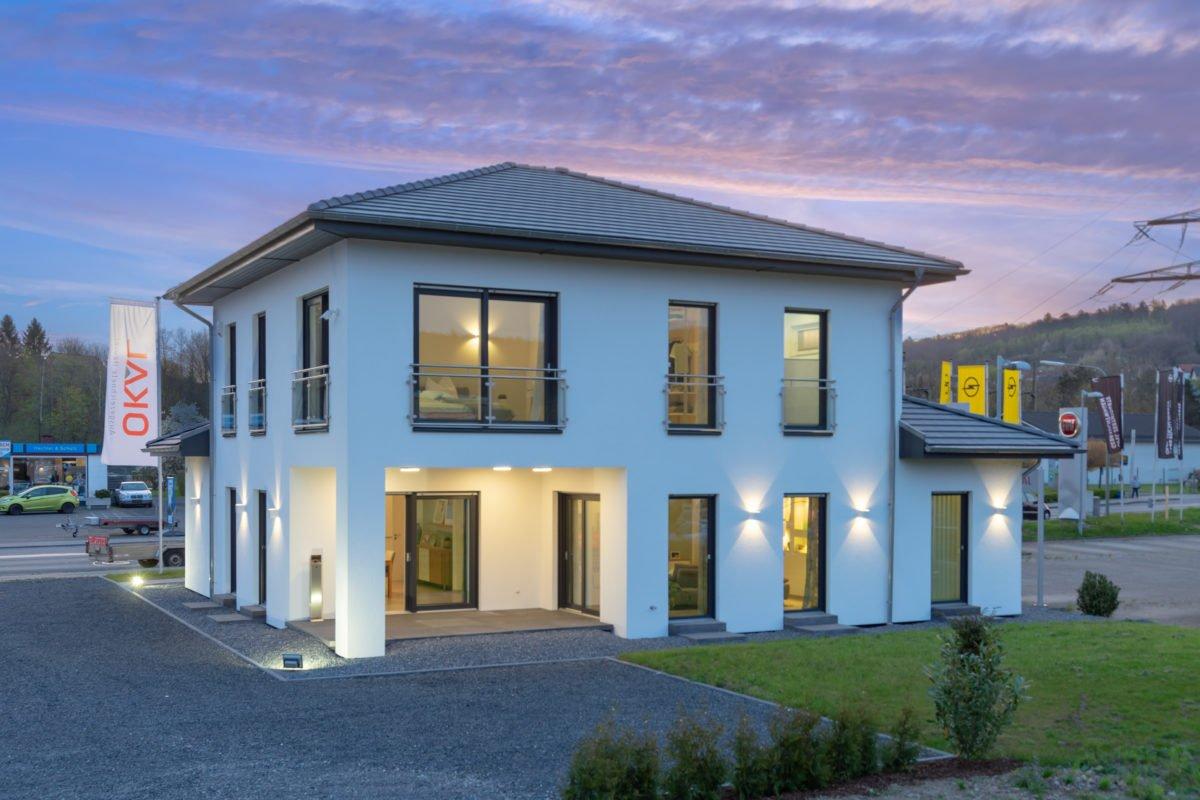 Musterhaus Arnsberg - Ein Blick auf ein Haus - Fassade