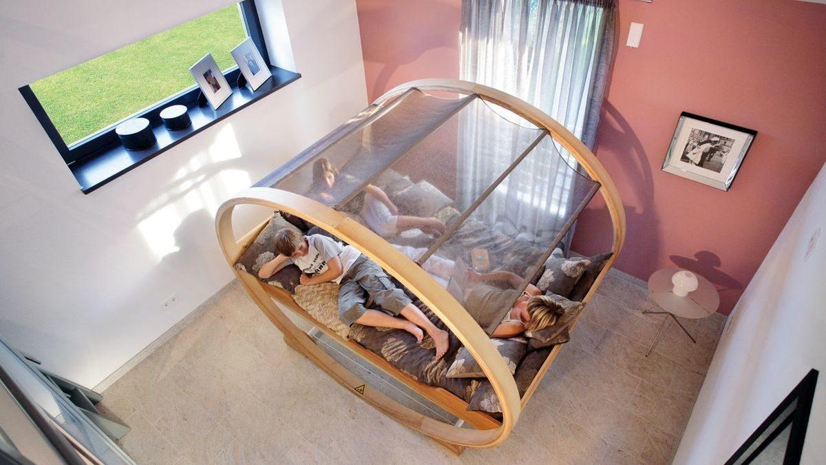 Plan E15-206.1 - Ein Hund sitzt auf einem Stuhl - SchworerHaus KG