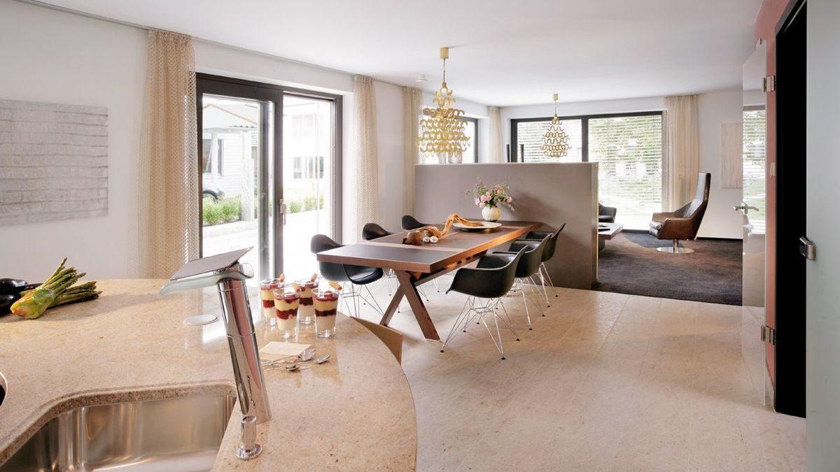 Plan E15-206.1 - Ein Wohnzimmer mit Möbeln und einem großen Fenster - Esszimmer