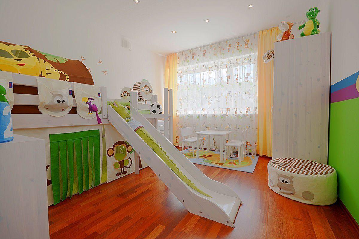 ELK Effizienzhaus 144 - Ein Schlafzimmer mit Hartholzböden - Interior Design Services