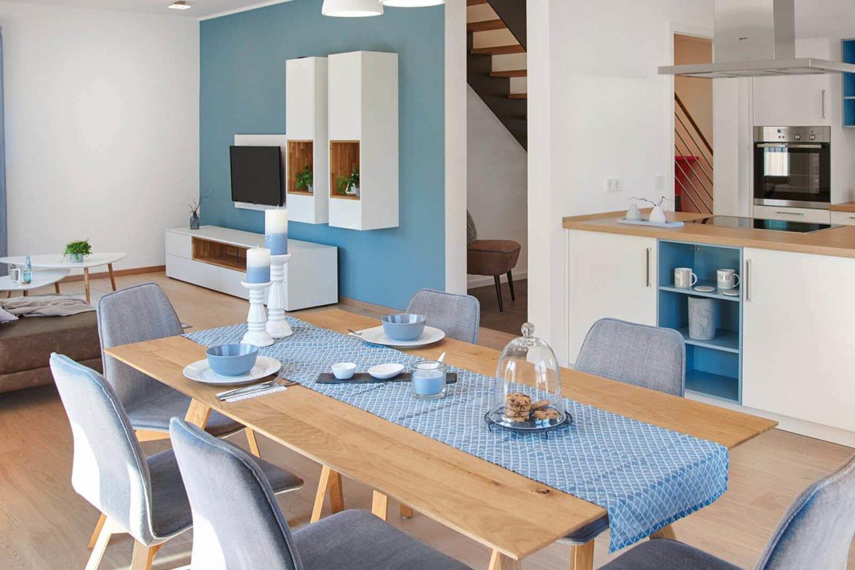 Musterhaus Mannheim - Ein Raum mit Möbeln und einem Tisch - Esszimmer