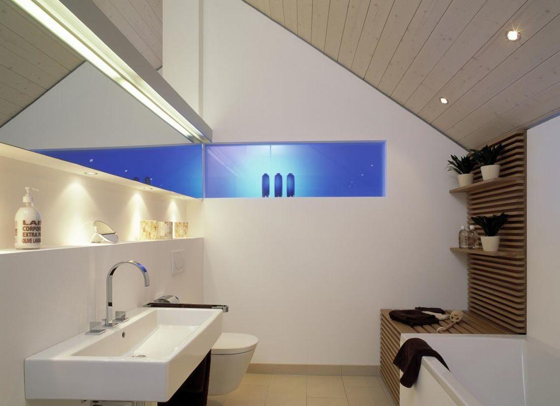 Musterhaus Vario - Ein zimmer mit waschbecken und spiegel - Bau-Fritz GmbH & Co. KG, seit 1896