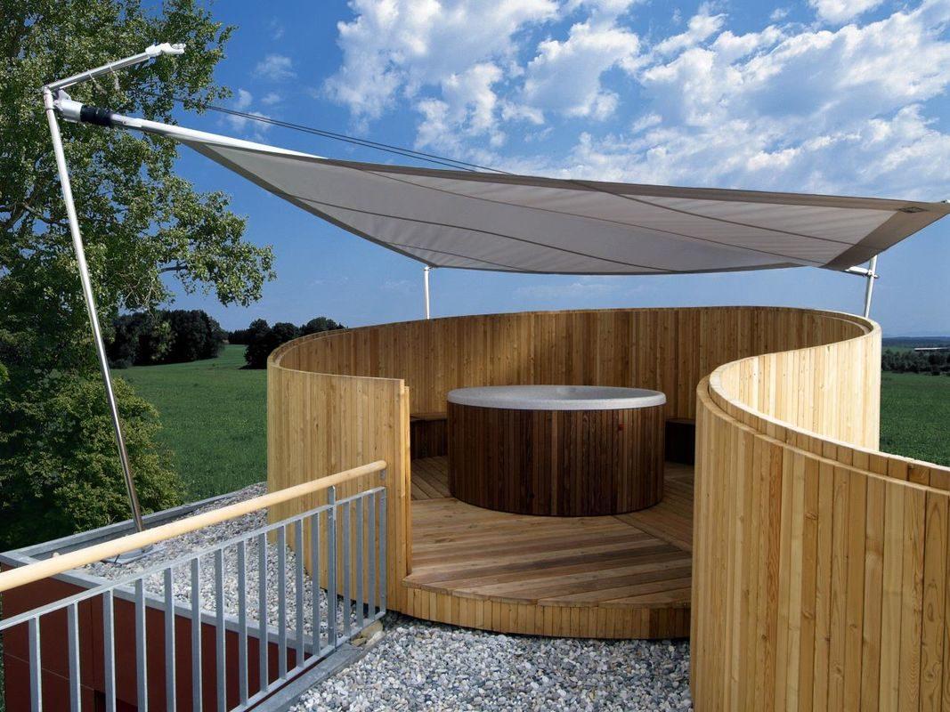 Musterhaus Vario - Ein großer Holzzaun - Haus
