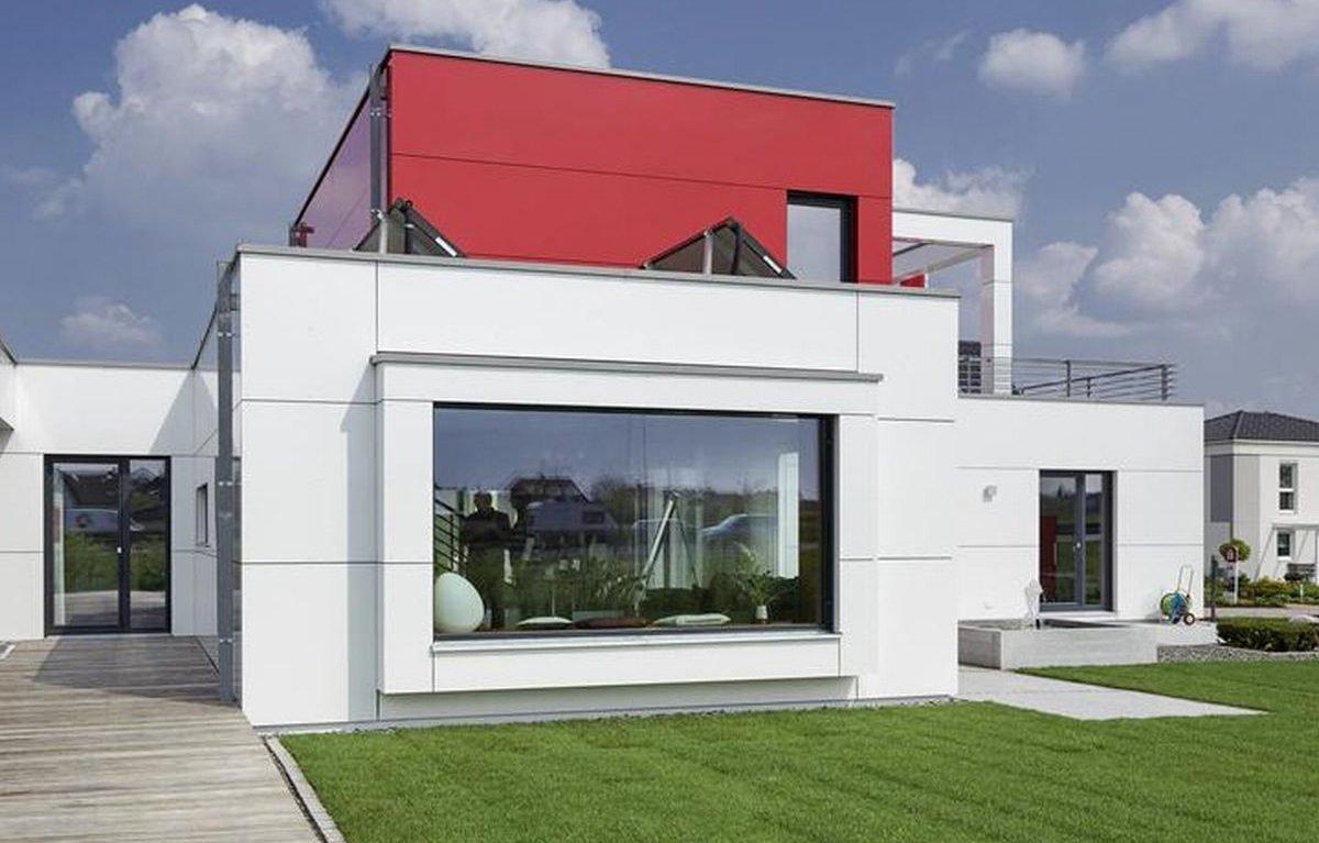 L³- Luxhaus Lifestyle Loft - Eine große Wiese vor einem Haus - LUXHAUS Musterhaus Nürnberg