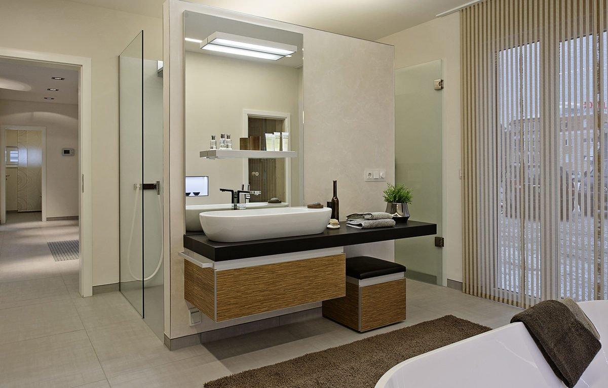 L³- Luxhaus Lifestyle Loft - Ein Hotelzimmer mit Waschbecken und Spiegel - Bad