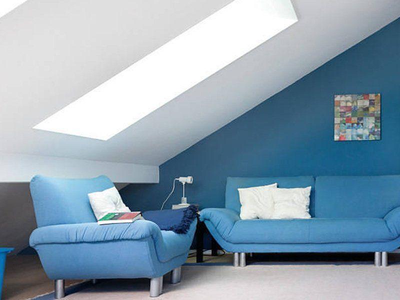 Plan D 15-161.1 - Ein wohnzimmer mit blauen wänden - Schlafsofa