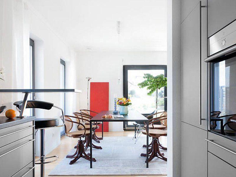 Plan D 15-161.1 - Ein Raum voller Möbel und ein großes Fenster - Interior Design Services