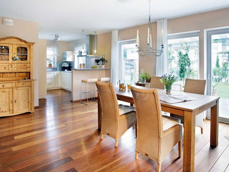 Plan E 15-131.1 - Eine Küche mit einem harten Holzboden - Esszimmer