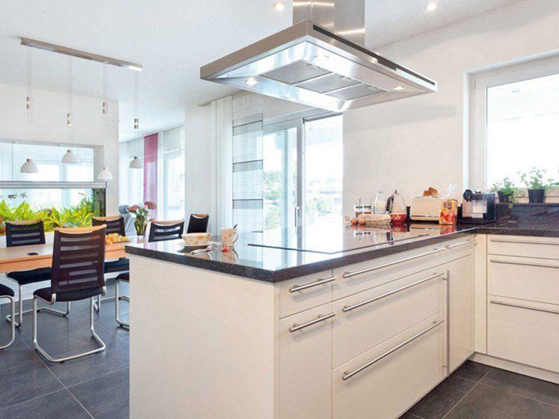 Plan E 15-171.1 - Eine küche mit waschbecken und fenster - Haus