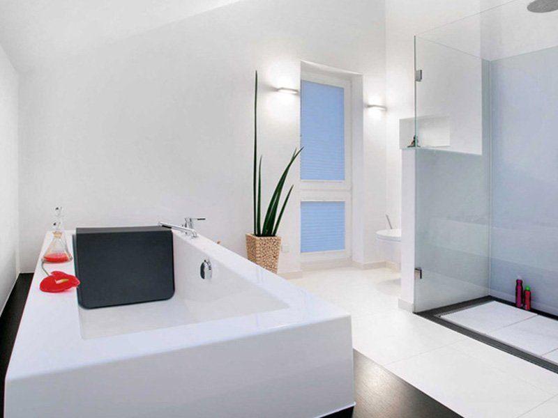Plan E 15-189.1 - Eine küche mit waschbecken und mikrowelle - Badewanne