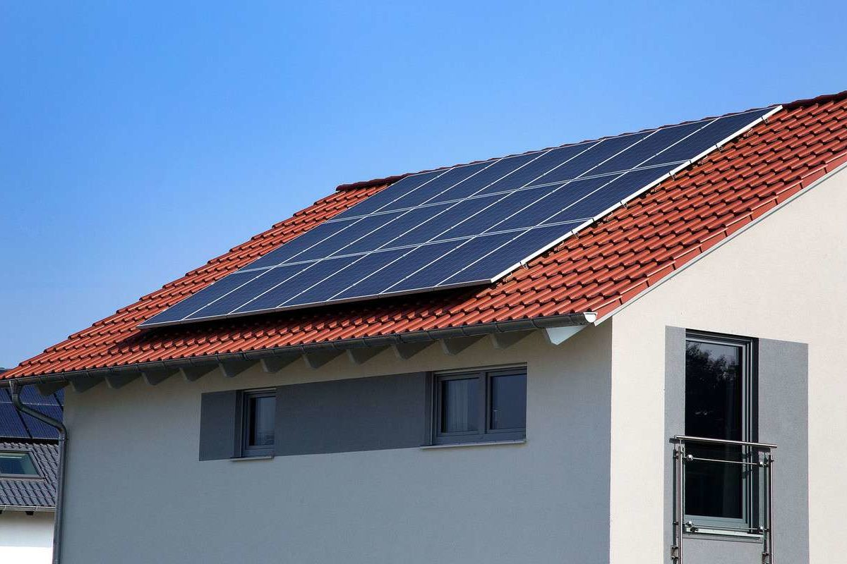 Musterhaus Günzburg - Das Dach eines Hauses - Solarenergie