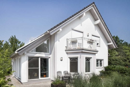 Tradition 140 - Ein großes weißes Haus - Haus